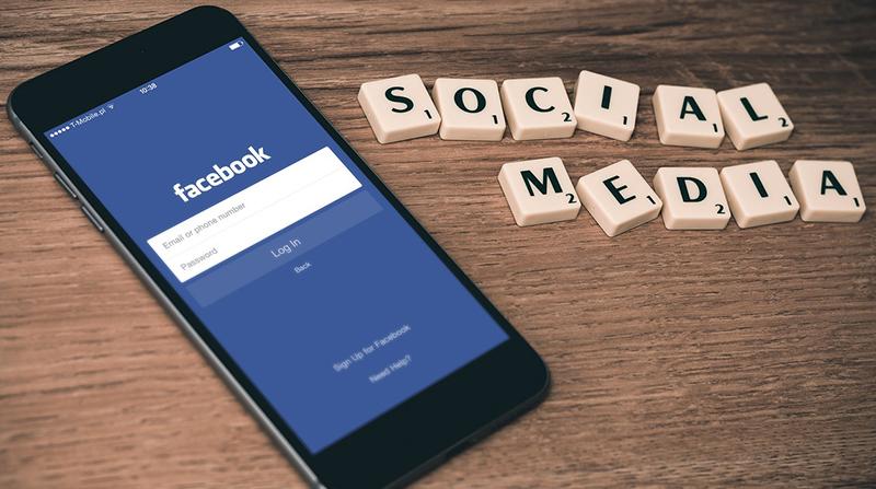 Ο ψεύτικος κόσμος των social media