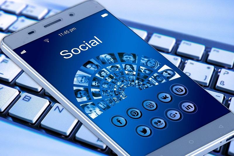 pos-na-stamatisoume-tin-sigkrisi-sta-social-media-2